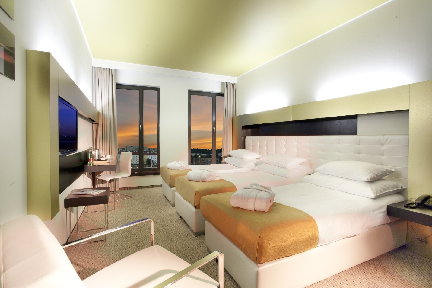 Triple hotel room design