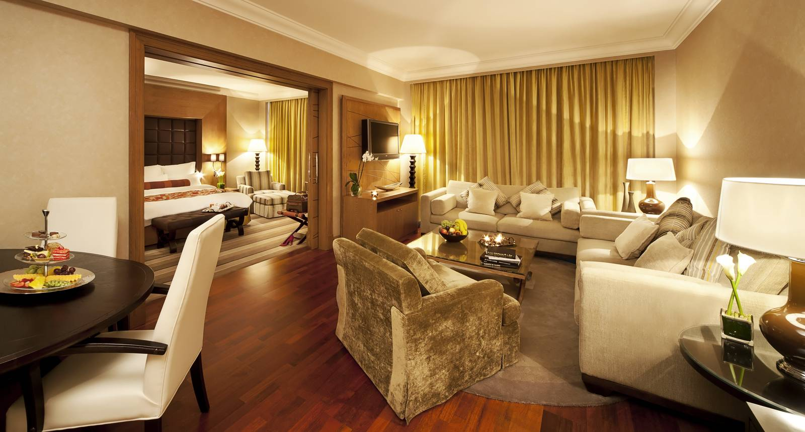 The basics of a good hotel room design interior design for Family room accommodation
