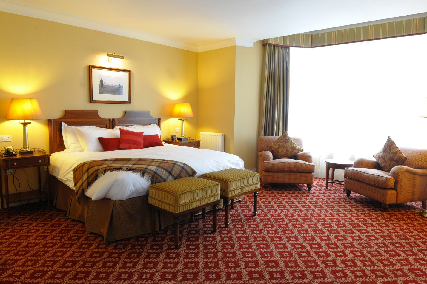 The basics of a good hotel room design interior design for Hotel room interior