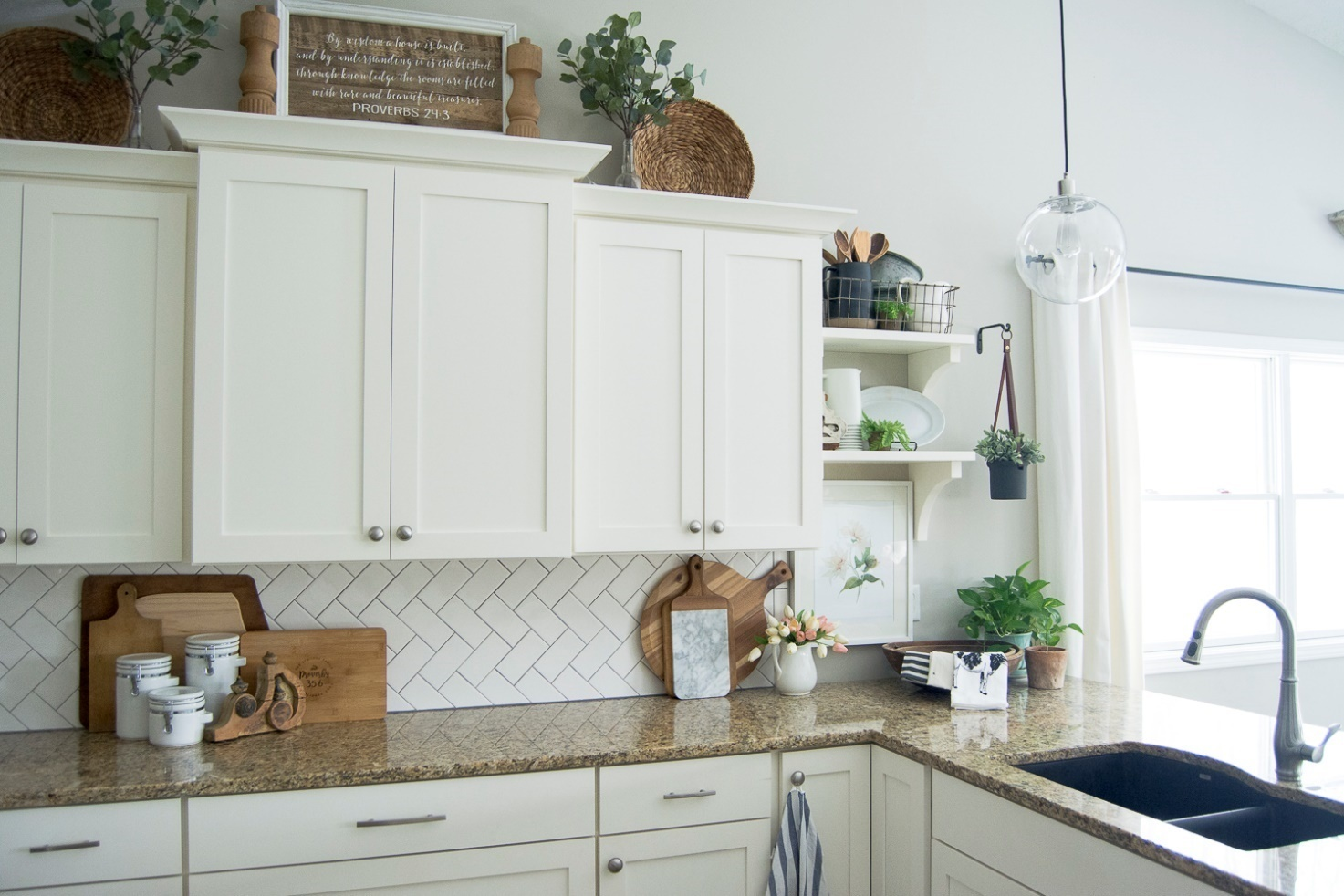Choosing a Perfect Kitchen Cabinet