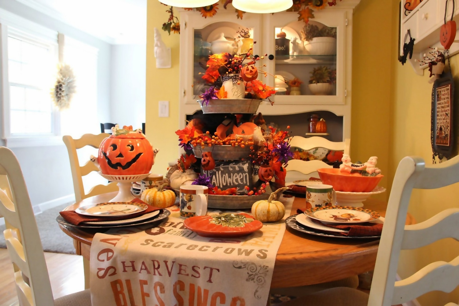 Kitchen Halloween Décor
