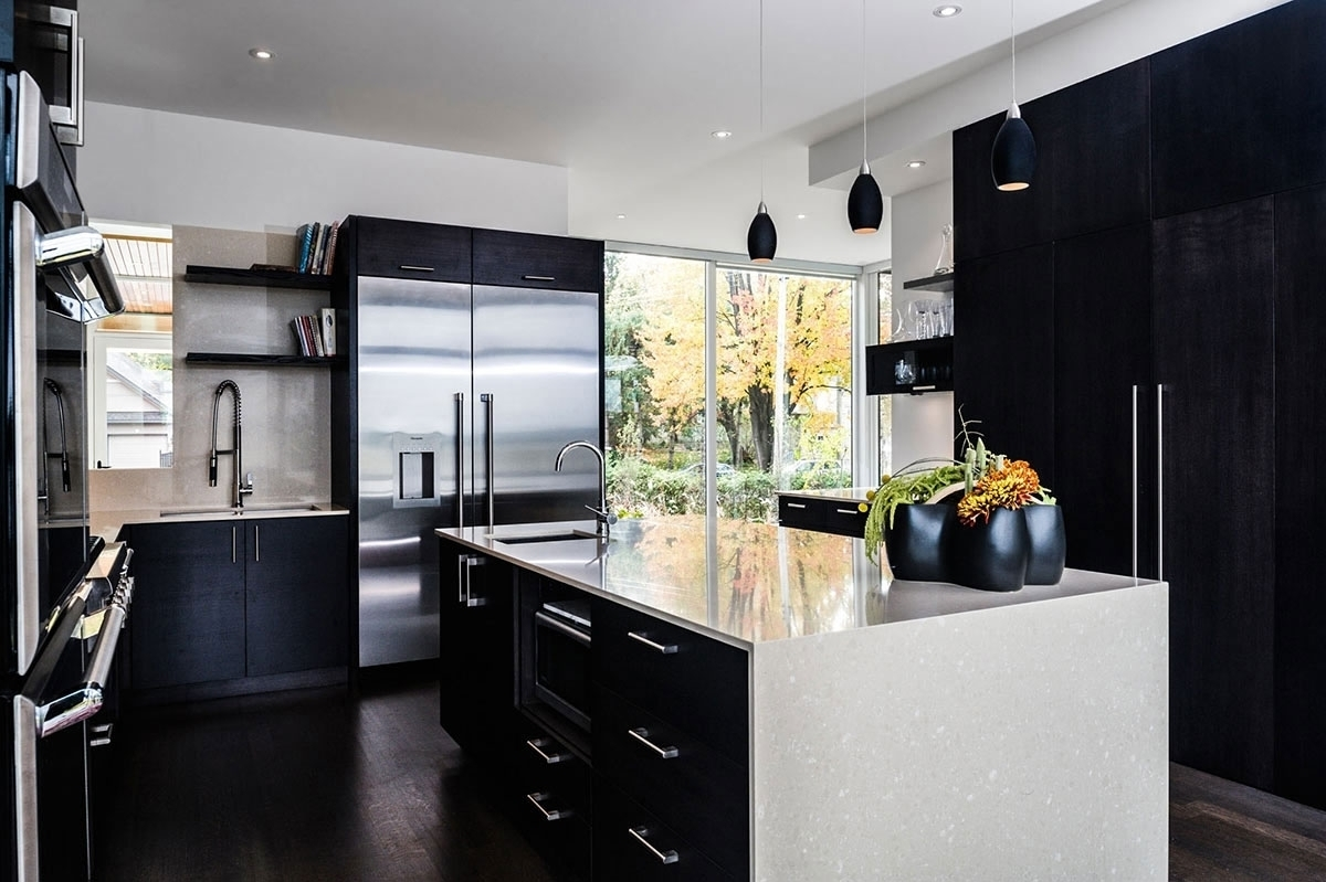 Black and White Kitchen Decor