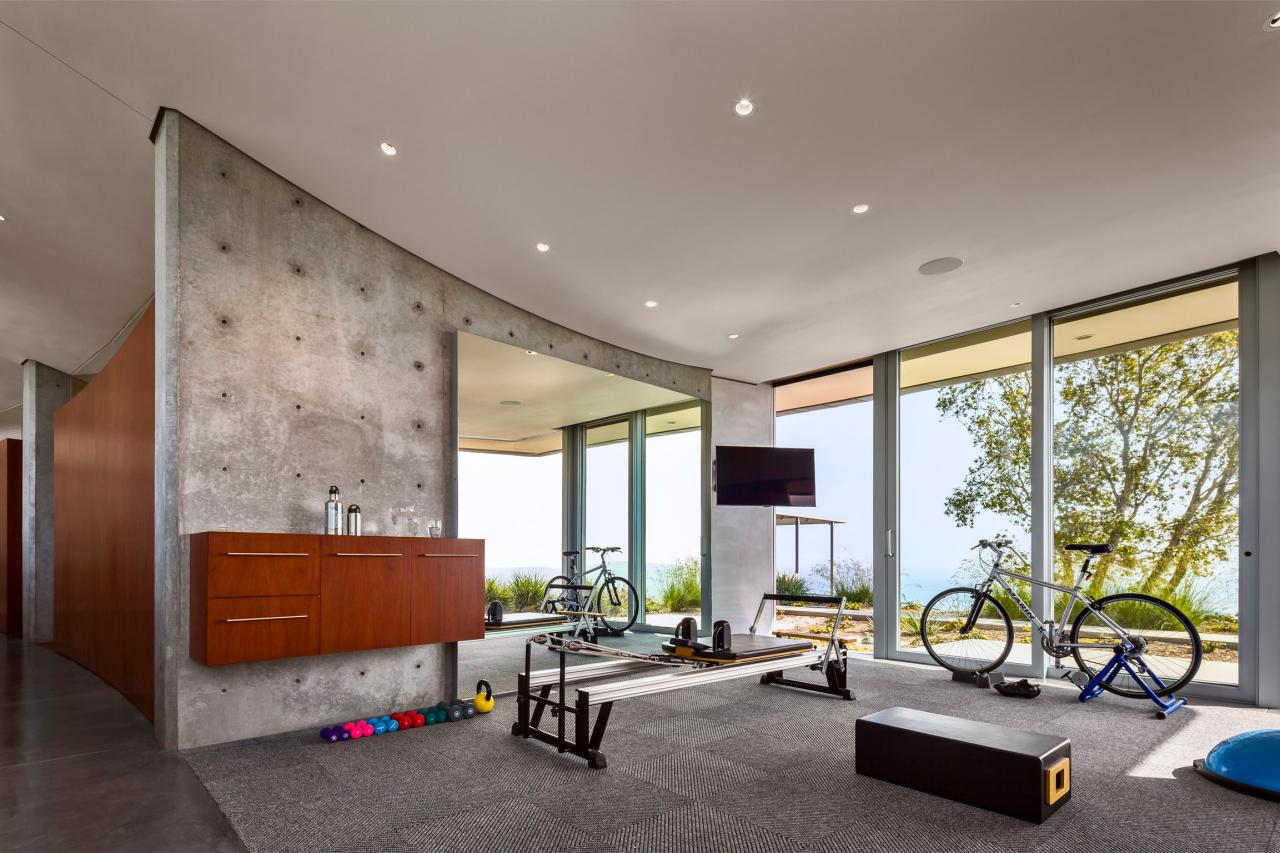 a modern home fitness room design