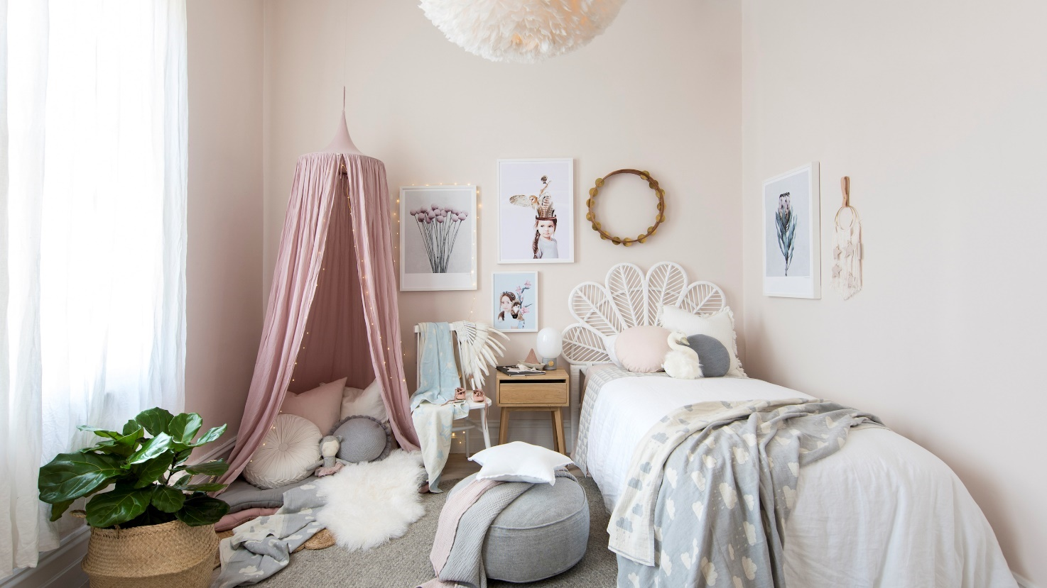 Pink Bedroom For Your Daughter
