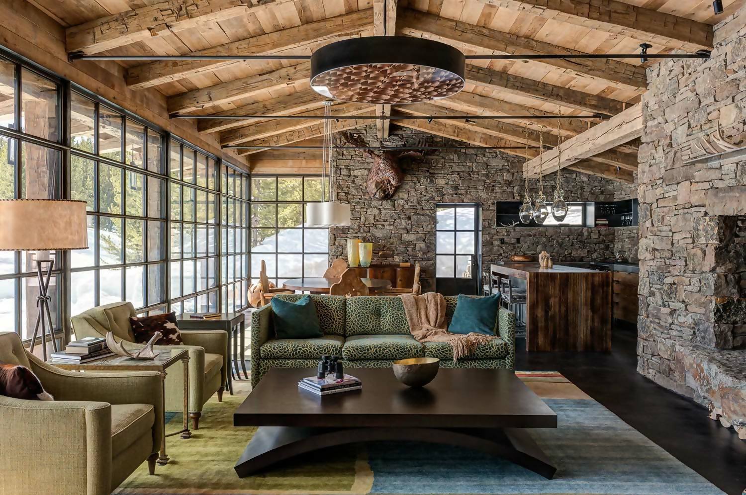Nature-Inspired Rustic Décor