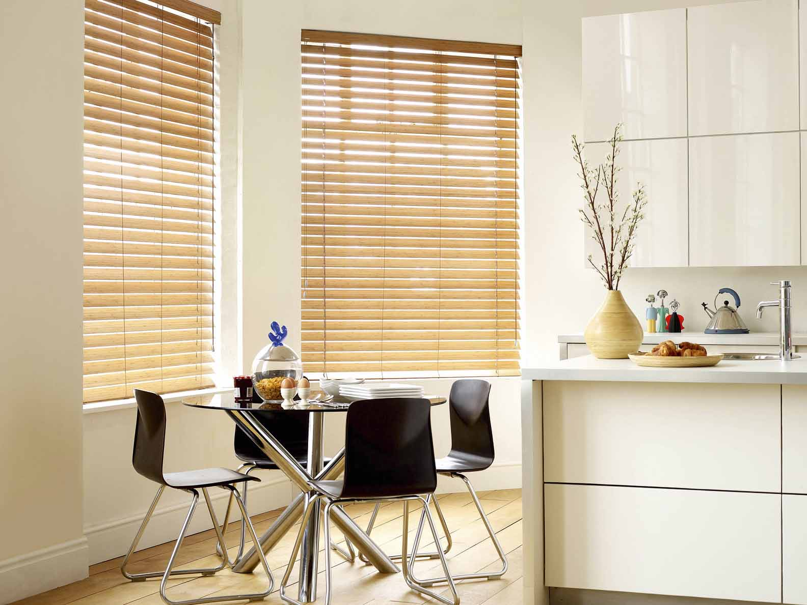 Horizontal blinds for kitchen