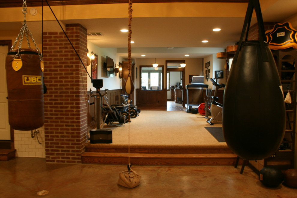 Minimalist Vintage Fitness Room Design