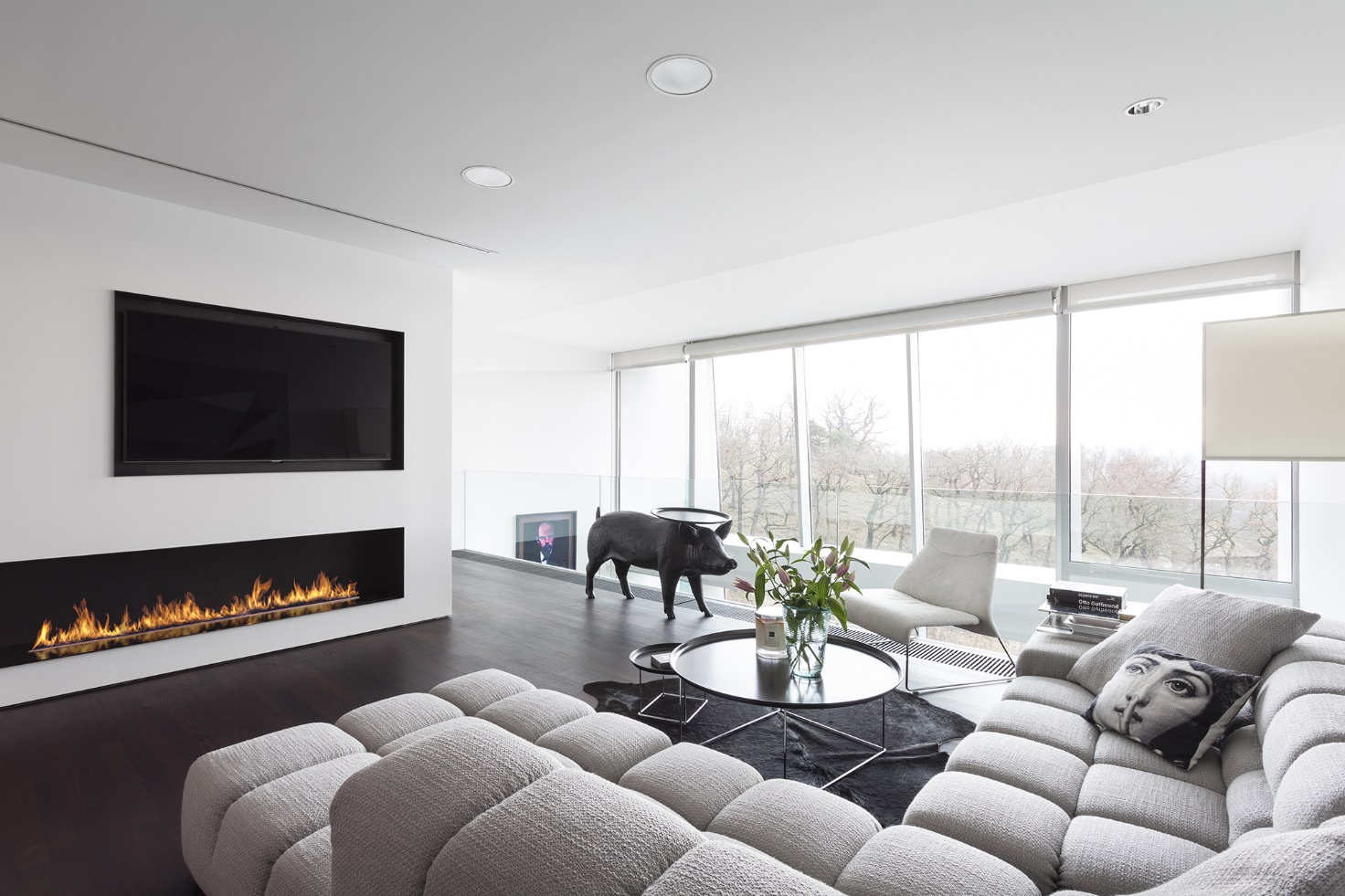 How to decorate living room with a fireplace and a TV